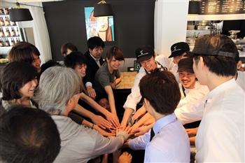 GOOD MORNING CAFE & GRILL 虎ノ門(グッドモーニングカフェ&グリル)ホールスタッフ【公式】